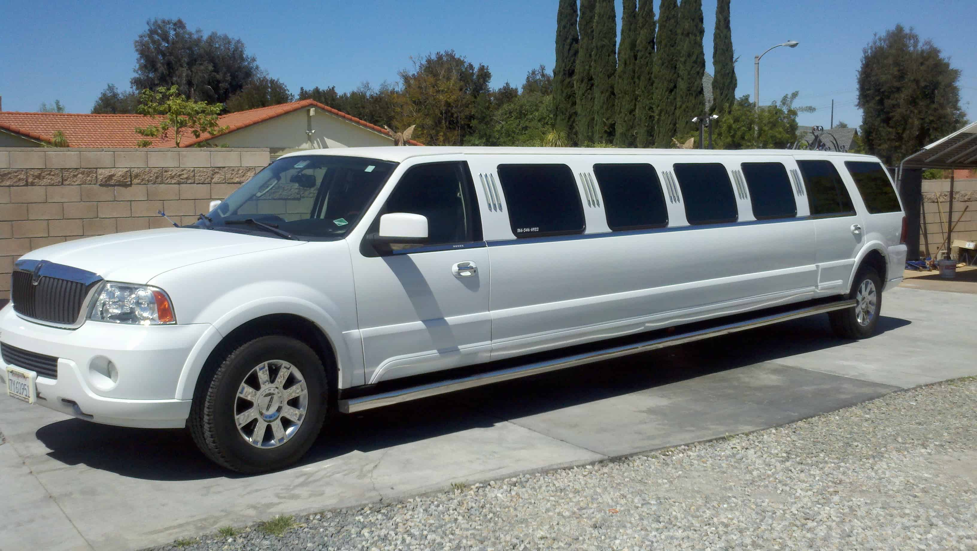 Lincoln Navigator Suv Stretch Limo The Perfect Limo